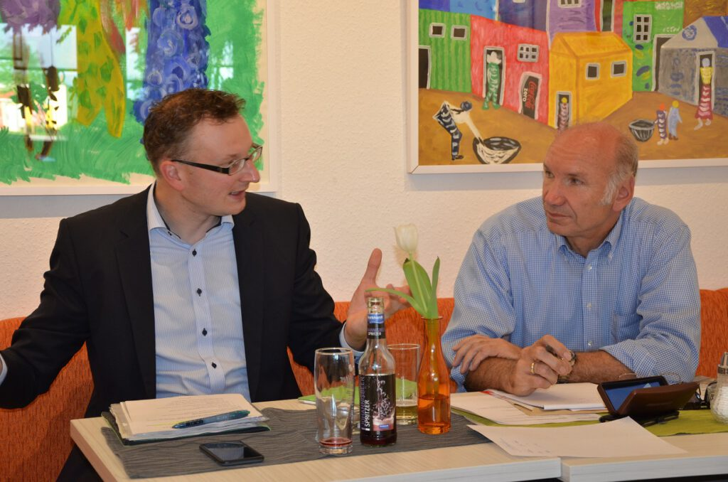Stefan Kirchner und Andreas Schwarz, MdL, im Gespräch in Plochingen.